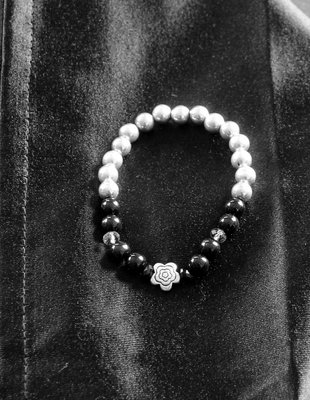 Armband zwarte/zilverkleur kralen