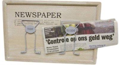 Krantenhouder White wash