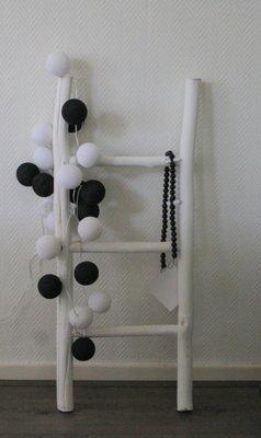Cotton Ball Lights | Zwart | Wit | 10 stuks