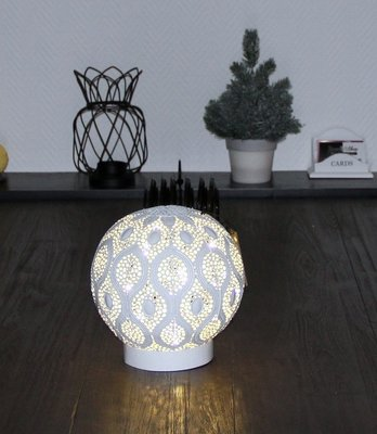 LAMP LED BAL OOSTERS WIT