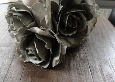 Kunstbloem Open Roos Grey