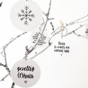 2 Kersthangers met tekst of design Zwart/Wit,van BYROMI Kiezen uit 4 verschillende sets, een set bestaat uit 2