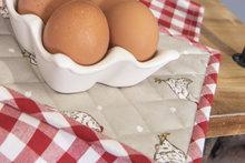 Eierhouder van porselein voor 6 eieren.